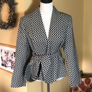 CHADWICKS COLLECTION size 16 Belted 1-button $129